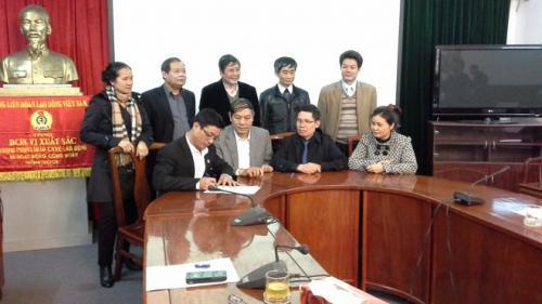 Ban Tổ chức Tổng LĐLĐVN Phát động và ký giao ước thi đua năm 2014