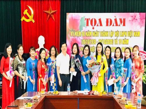 Công đoàn cơ sở Liên minh Hợp tác xã tỉnh Cao Bằng tổ chức tọa đàm kỷ niệm 90 năm ngày thành lập Hội LHPN Việt Nam