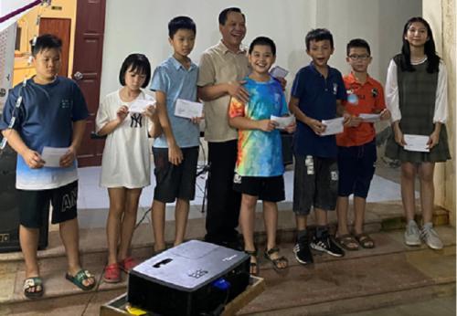 """CĐCS Trường Trung cấp nghề Cao Bằng tổ chức Đêm hội """"Vui Tết Trung thu"""" cho các cháu thiếu niên, nhi đồng là con của Cán bộ, viên chức lao động"""