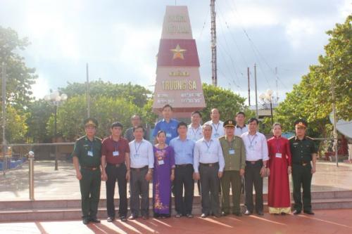 Đoàn đại biểu tỉnh Kết thúc tốt đẹp chuyến công tác tại huyện đảo Trường Sa, Nhà giàn DK1