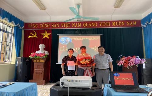 CĐCS Cơ sở cai nghiện ma túy Cao Bằng bồi dưỡng giới thiệu đoàn viên ưu tú cho Đảng