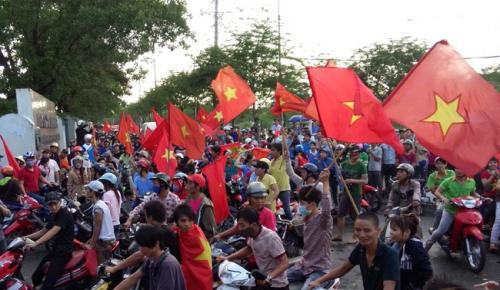 LĐLĐ Đà Nẵng thông tin tình hình biển đảo đến cho công nhân