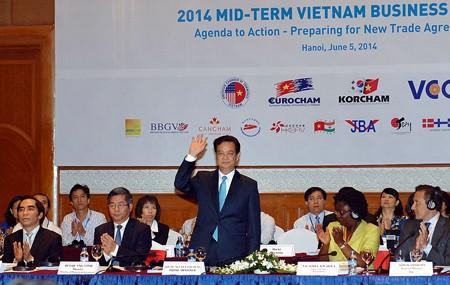 Thủ tướng - Hệ thống chính trị Việt Nam đủ mạnh để bảo vệ nhà đầu tư
