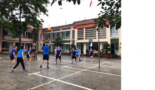 Công đoàn Trường Chính trị Hoàng Đình Giong tổ chức Giải bóng chuyền hơi nhân kỷ niệm tháng Công nhân năm 2019