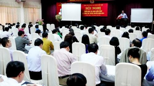 Hơn 120 cán bộ công đoàn chủ chốt dự hội nghị tuyên giáo Tổng LĐLĐ VN năm 2014