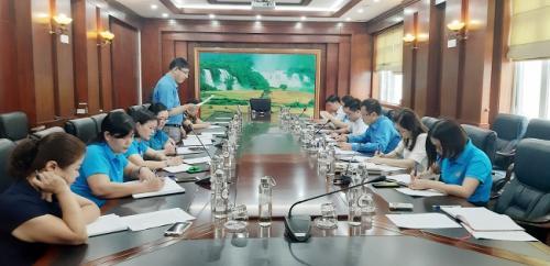 Đoàn Kiểm tra Công đoàn Viên chức tỉnh làm việc tại Công đoàn cơ sở Văn phòng UBND tỉnh Cao Bằng.