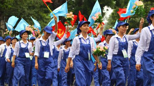 Nhiều công nhân khát khao phấn đấu vào Đảng